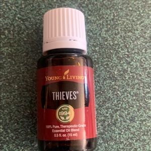 Young living essential oils thieves 15 ml